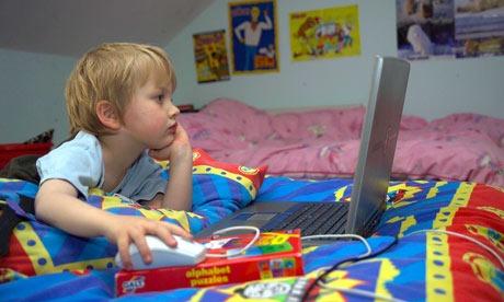 استفاده صحیح از اینترنت را به فرزندانتان آموزش دهید