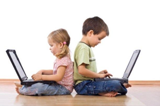 ستفاده از دستگاههای هوشمند در رشد کودکان اختلال ایجاد میکند